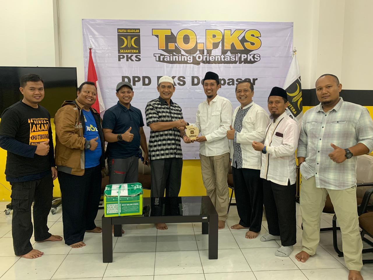 Kunjungan ke DPW PKS Bali